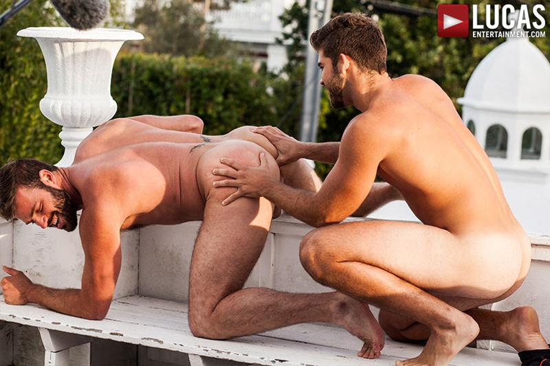 Jonah Fontana Flip-Fucks Xavier Jacobs Bareback Auditions 3