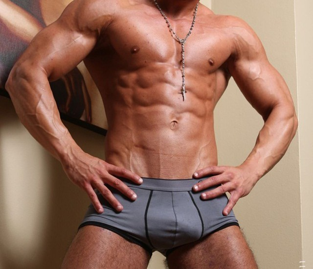 Manifest Men: Young gym pup Spencer big muscle man!