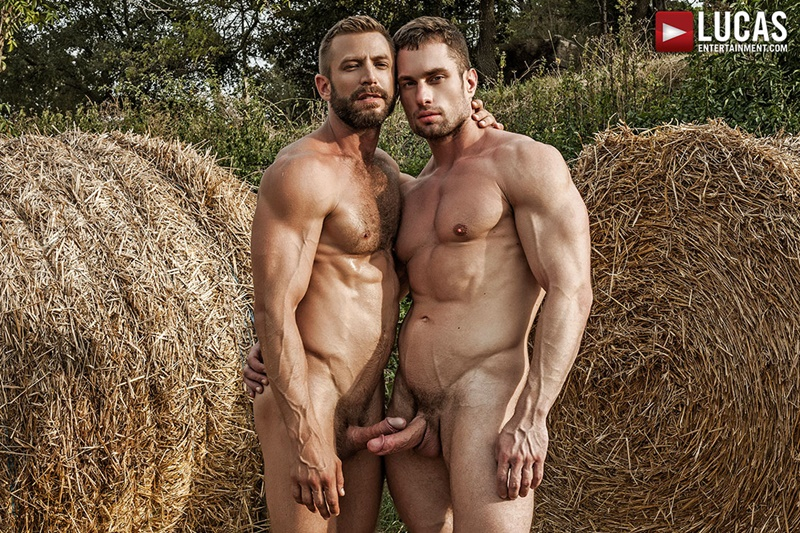 Lucas Entertainment – Bulrog breeds Stas Landon behind the hay bales