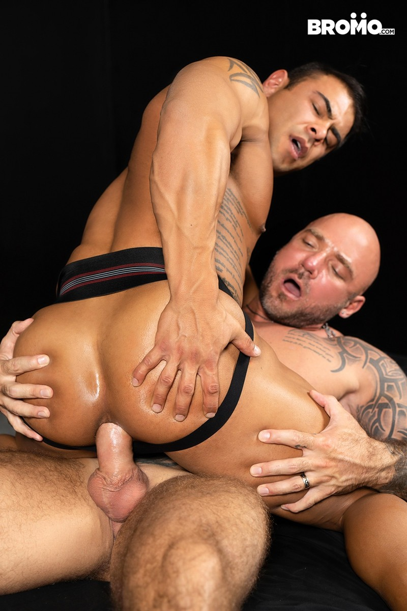 Men for Men Blog Gay-Porn-Pics-015-Jason-Collins-Draven-Navarro-Tattooed-muscle-beef-nipples-worship-hard-body-Bromo Tattooed and beefy Jason Collins loves playing with buff Draven Navarro's nipples and worshipping his hard body Bromo